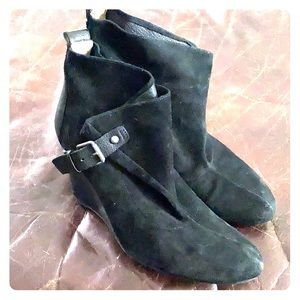 Nine West Black Suede Leather Ankle Boots/Heels